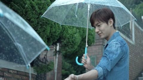PMZ 투명 우산 캠페인.mp4_snapshot_00.07_[2015.10.13_14.37.44]